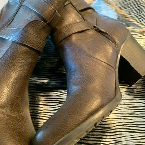 New Naturalizer Brown Booties